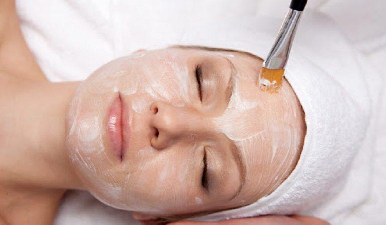 بهترین اسکین کر اصفهان| AHA تراپی درمان مشکلات پوستی